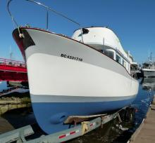 The Grey Goose (ex-Foley's Fault) bow thruster installation